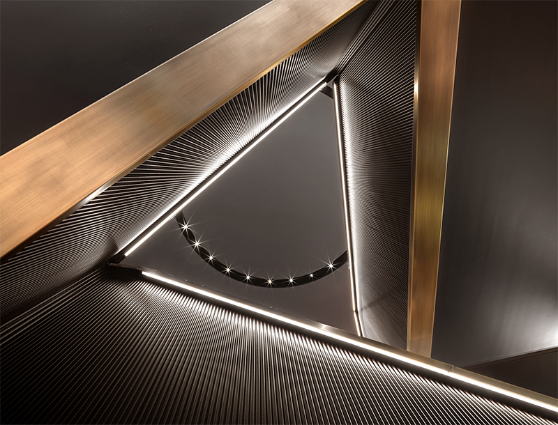 Metis Lighting Brioni Frankfurt Retail Lightingdesign THUMB