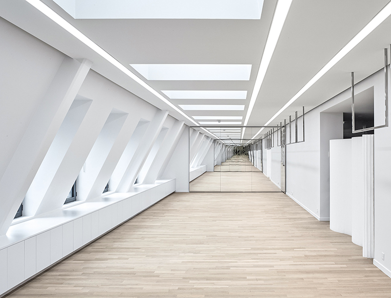 Metis Lighting Workspace lighting Dior Atelier PAP Rue Goujon Paris Corporate lighting design THUMB