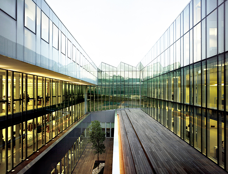 Metis Lighting Ermenegildo Zegna Headquarters Milan Façade lighting design THUMB